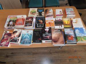 Książki – dary przekazane przez Książnicę Stargardzką do biblioteki w bursie