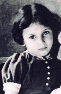 ESTER – dziewczynka, która zginęła w Auschwitz.
